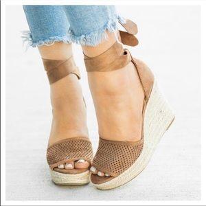 Shoes - FEW LEFT🌴 pinhole wrap espadrille wedges tan